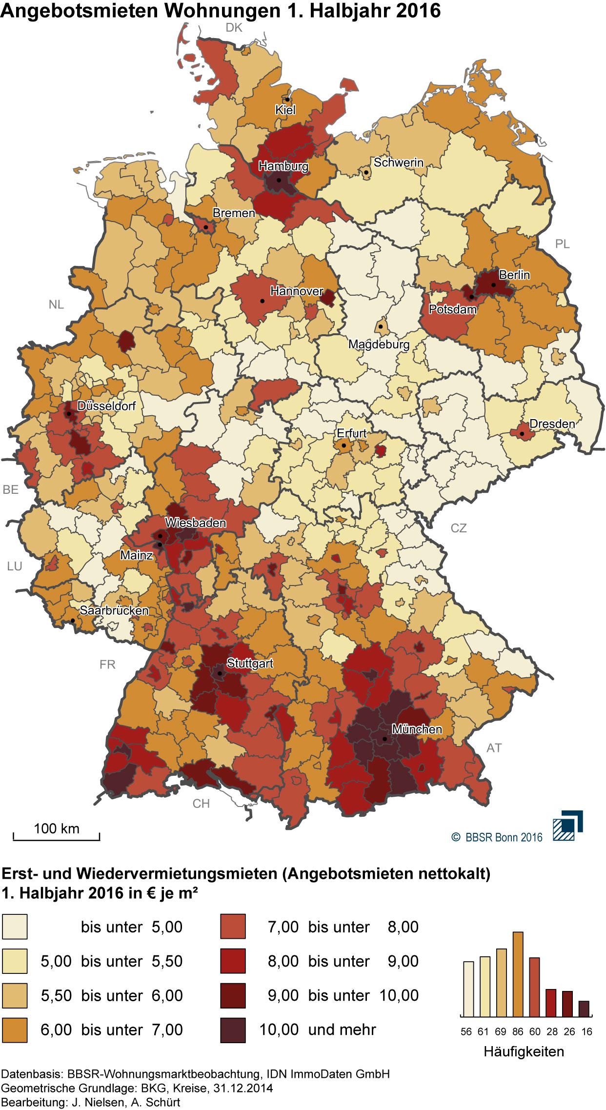 Karte Deutschlands, in der Regionen je nach Quadratmeterpreise ansteigend von weiß bis dunkelrot eingefärbt sind