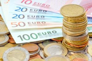 Euro Münzen und Geldscheine