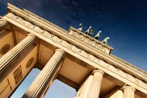 Das Brandenburger Tor im Sonnenschein