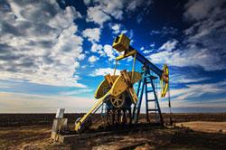 Förderturm auf Ölfeld