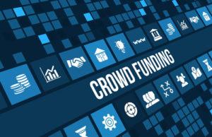 Ein blau gekachelter Bildschirm mit vielen Symbolen und dem Wort Crowdfunding