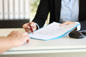 Bei der Erstellung eines Darlehensvertrags für Verbraucher sind verschiedene Formvorschriften zu beachten