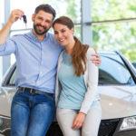 Weil die Zinsen so niedrig sind, nehmen die Deutschen mehr Kredite auf, insbesondere für die Neuwagenfinanzierung.