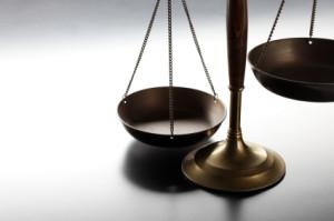 Symbolbild für die Rechtsprechung, die Gerechtigkeitswaage
