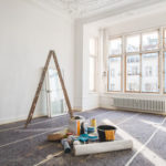 Je nach Alter der Immobilie sind bestimmte Sanierungsmaßnahmen sinnvoll